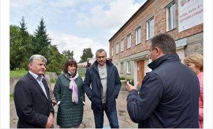 Андрей Травников внепланово посетил Центральную районную больницу в Колывани