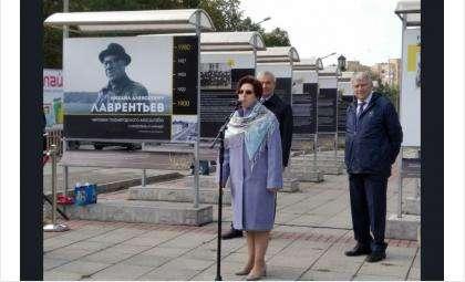 Участие в церемонии открытия выставки приняла заместитель губернатора Ирина Мануйлова