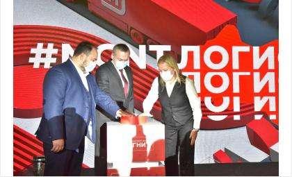 Глава региона принял участие в церемонии открытия распределительного центра