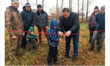 Глеб Поповцев принял участие в посадке аллеи в коттеджном поселке Алексеевская слобода
