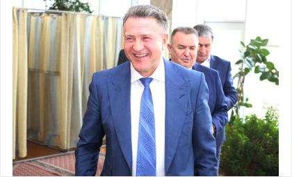 В предыдущие месяцы 2020 года председатель Заксобрания уверенно держался в десятке лидеров