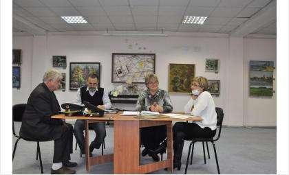 Подлинники и копии документов времен купца Горохова лесхоз передал музею Бердска
