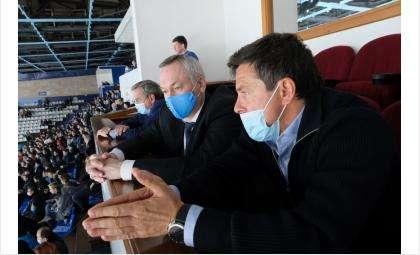 Глава региона отметил, что у новосибирцев хоккей — один из любимых видов спорта