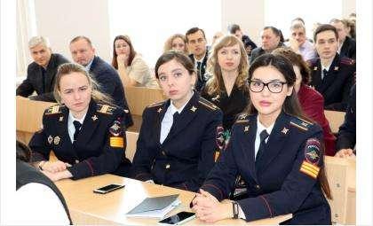 Набор курсантов в вузы МВД объявлен в Бердске