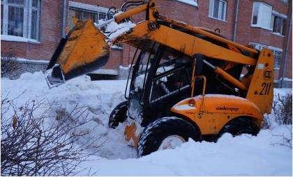 В Бердске борются со снегом