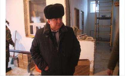 Евгений Шестернин осмотрел почти готовое здание бани