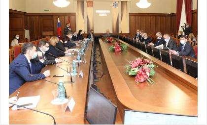 Заседание комитета Заксобрания по социальной политике, здравоохранению, охране труда и занятости населения