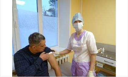 Юрий Корягин прошел вакцинацию от COVID-19
