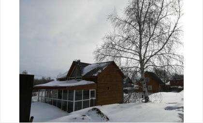 В Бердске сотни семей живут на дачах круглый год