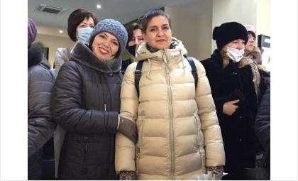 Ольга Костылева (на фото справа) - участник конкурса «Воспитатель года России»