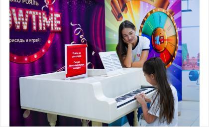 Белый рояль из шоколада – экспонат, мимо которого пройти невозможно!