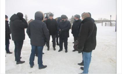 Власти обсудили строительство водозаборных сооружений и укрепление берегов