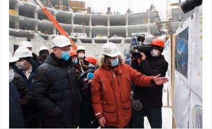 Андрей Травников провёл выездное совещание на площадке строительства