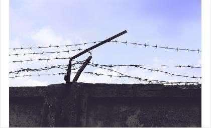 Обвиняемые совершали преступления в стенах колонии