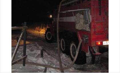 На ликвидацию пожара привлекались 2 единицы техники и 8 человек личного состава
