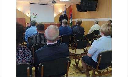 Ветеранов МВД чествовали в бердской полиции