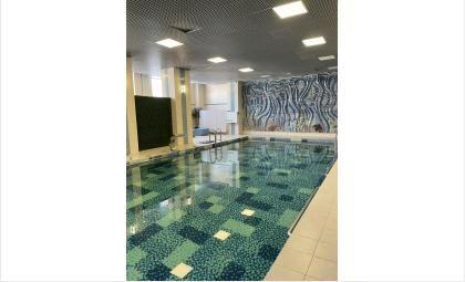 Видимые результаты достигаются при проведении ЛФК в воде или при сочетании методик «сухих» занятий и бассейна