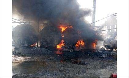 Цистерны с битумом горели на асфальтовом заводе в Искитимском районе