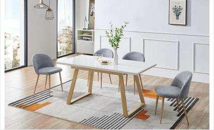 Обеденный стол должен быть практичный, удобный, красивый