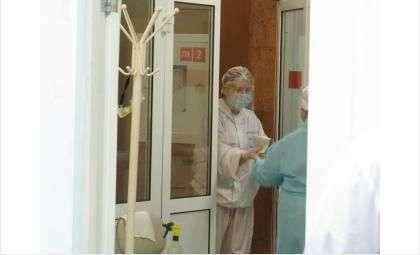 Коронавирус может смертельно поразить и пожилых, и молодых людей
