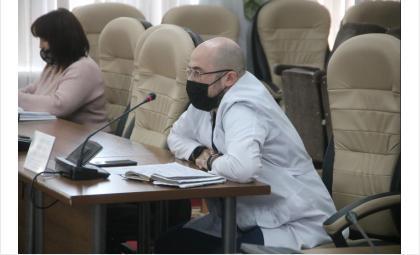 Начмед БЦГБ Максим Кучеренко доложил о ходе вакцинации
