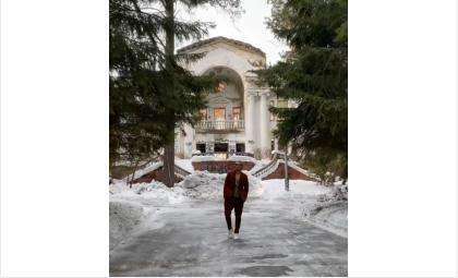Дима Билан спел о закончившихся отношениях на фоне бердской заброшки