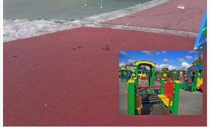 Свежее покрытие на новой детской площадке в парке уничтожают сами жители Бердска