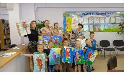 Студия рисования из Бердска провела мастер-класс в детском доме в Новосибирске