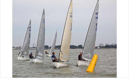 Для этого вида спорта существуют специальные виды яхт