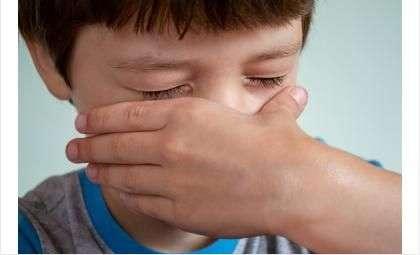 Ребёнка госпитализировали после того, как его швырнул на пол отчим