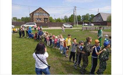 Жители Юго-Восточного в Бердске провели праздник детства