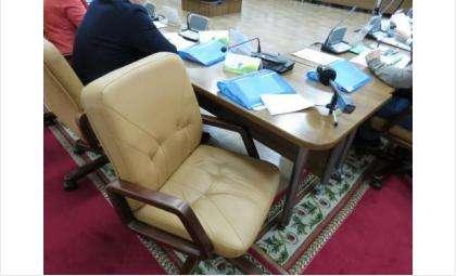 Порой депутатские кресла пустуют на сессиях