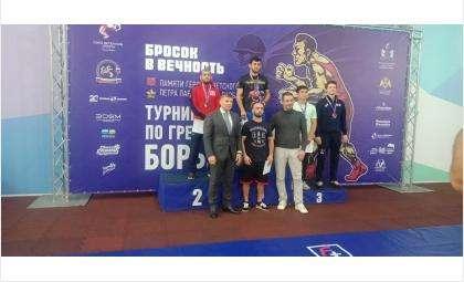 Расим Гулиев завоевал серебряную медаль