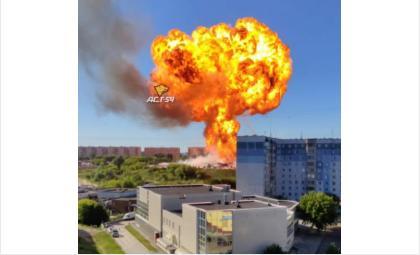 Последствия взрыва ощутили здания и дома рядом с АЗС