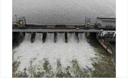 Новосибирская ГЭС сократила выработку электроэнергии