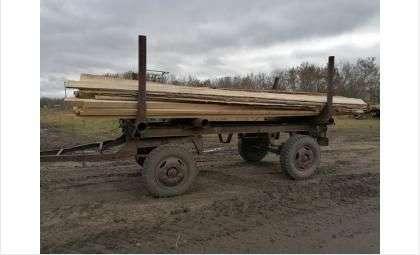 Древесину вывозили на тракторах