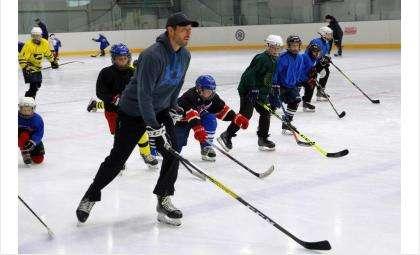 Два дня подряд в Новосибирской области на хоккейных аренах проходили открытые тренировки