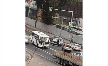 Автобус был пустым в момент столкновения