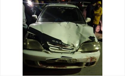 Потерпевшая оказалась прижата машиной к стене дома
