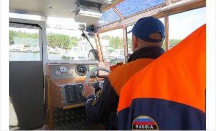 Спасатели ведут поисковые работы на водоёмах