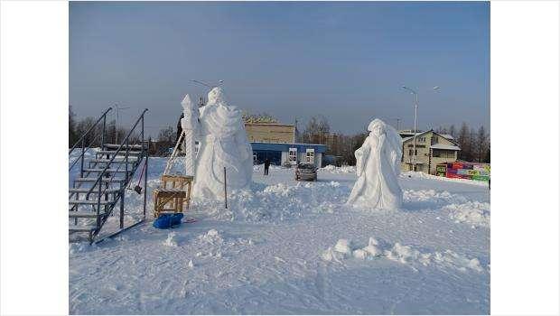 Верните ёлку на место! Новогодний городок в Бердске снова «спрятали» в парк