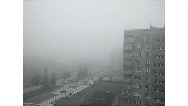 Густой туман и смог накрыли Бердск утром 24 июля