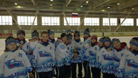 Хоккейная команда «Кристалл-2004» из Бердска - лучшая в сезоне