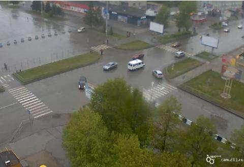 Ночью у ЗАГСа в Бердске джип сбил пешехода
