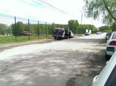 """Сегодня ГИБДД """"разогнала"""" авто с незаконной парковки в Бердске"""