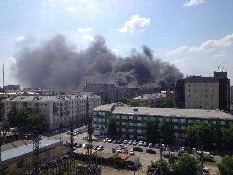 Дымом пожара затянуло большую часть Новосибирска