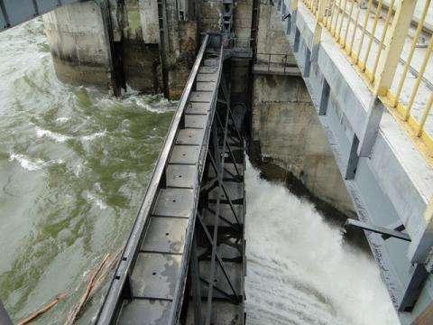 Новосибирская ГЭС принимает большую воду с Алтайского края