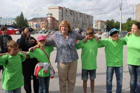 Бердская детвора будет находить друг друга в Крыму по зеленым футболкам