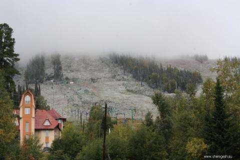 В Шерегеше 28 августа выпал первый снег толщиной 3 см