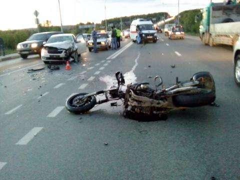 Байкер Дмитрий Медведев насмерть разбился на своем мотоцикле